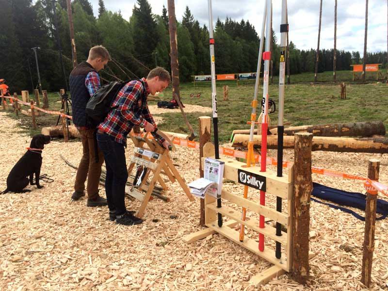 Demonstration Av Silky-sågar På SkogsElmia
